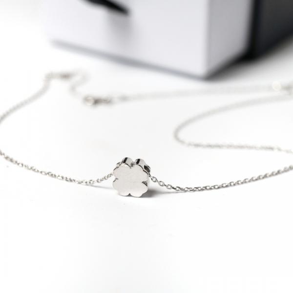 Srebrny rodowany naszyjnik z motywem czterolistnej koniczyny – PERMANE BIŻUTERIA – Simple 3(1)