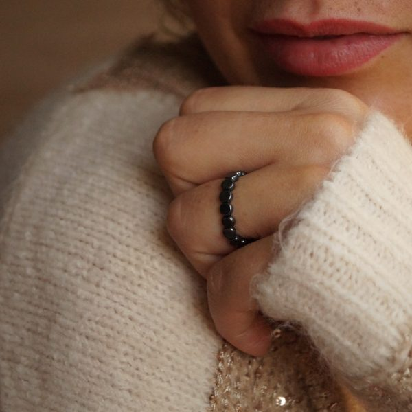 pierścionek z płaskich hematytów_made of stone_permane bizuteria 2