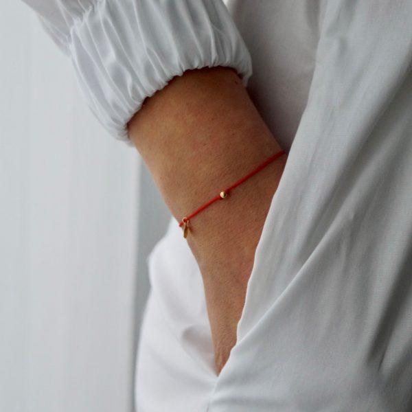 Złota bransoletka Happiness na czerwonym sznurku – be yoursefl – permane bizuteria 6